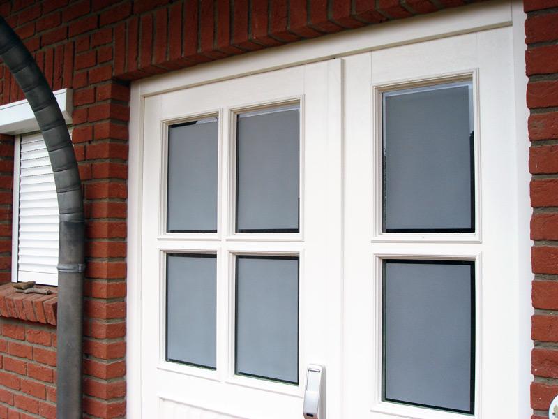 Glasmattierung Eingangstür